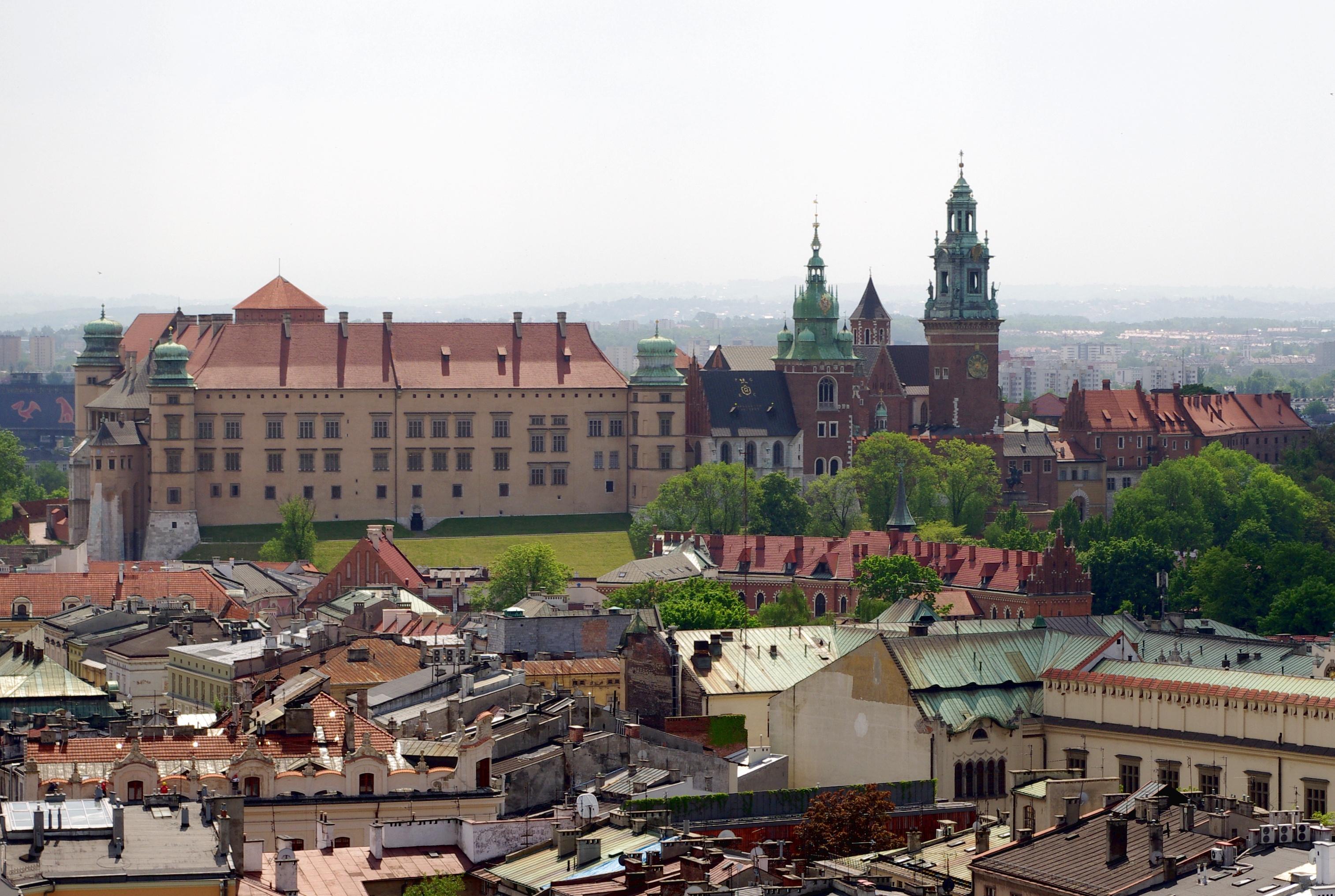 0283_20100522_krakow_wawel_hill-2