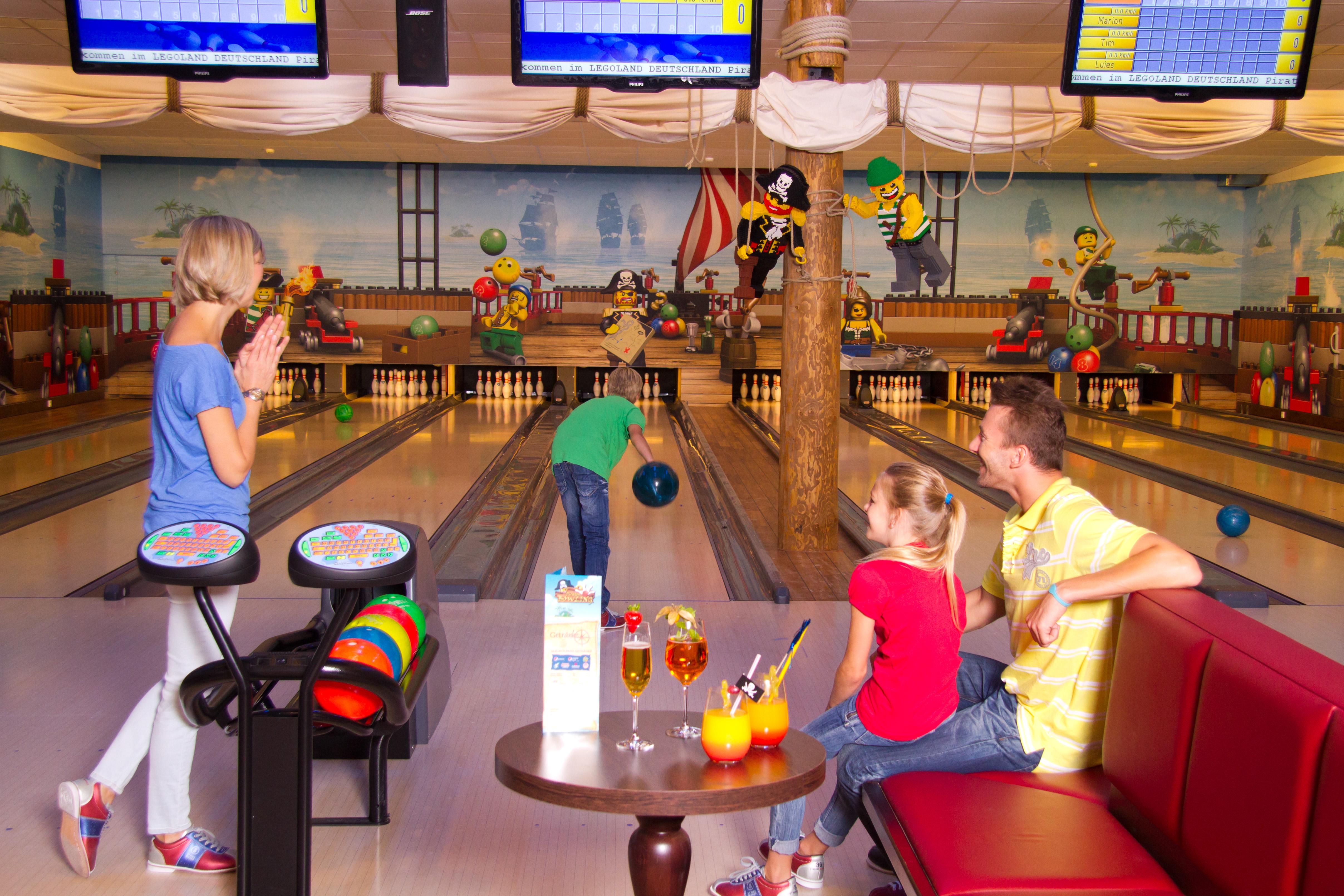 ll-feriendorf_bowlingbahn_2-large-2