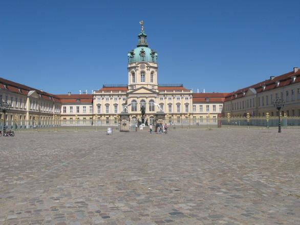 schloss-charlottenburg-berlin-1217970-2