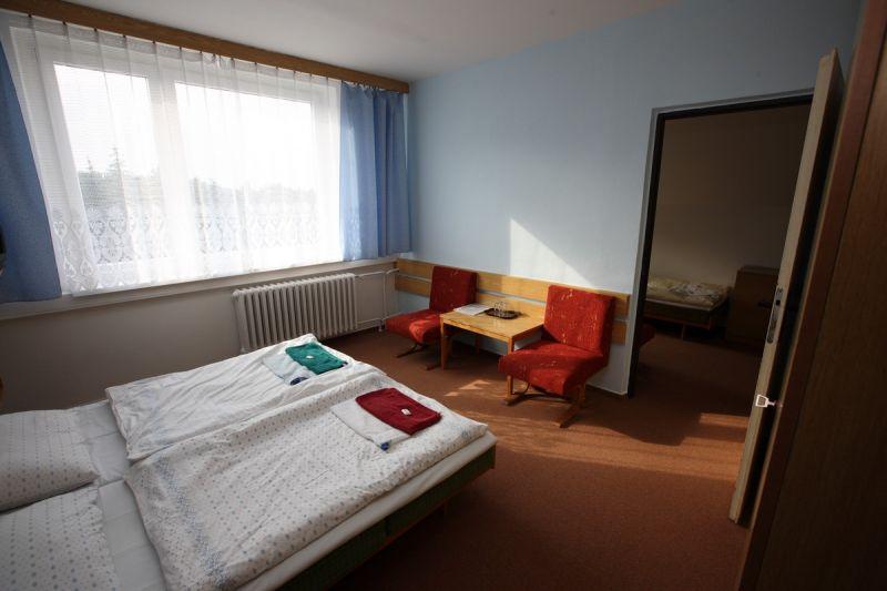 hotel-4-luzkovy-pokoj