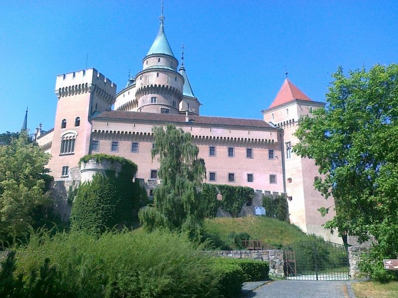 slovak-castle-bojnice-1-2