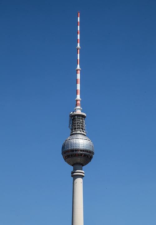 berlin-tv-tower-1693072_960_720-2-2